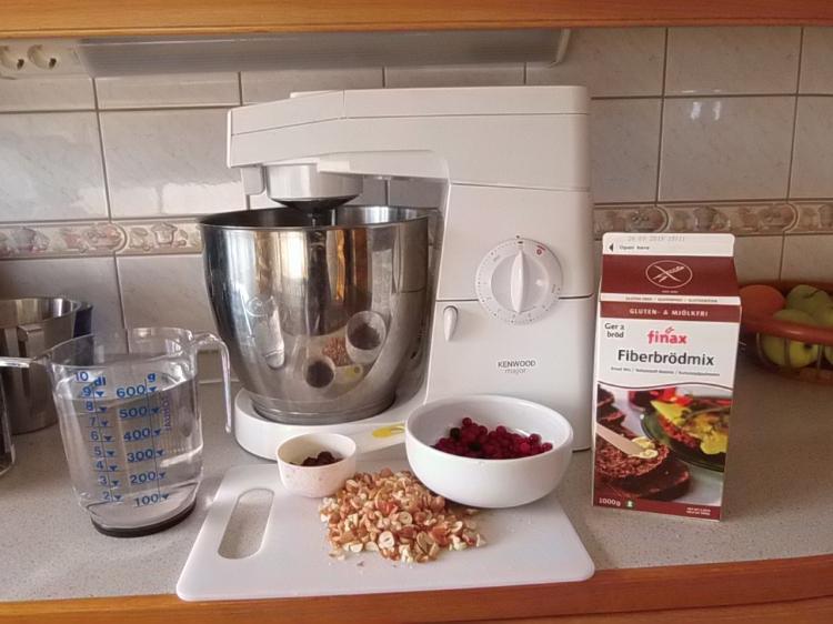 Finaxin kuituleipä-jauhoseos ja lisäainekset
