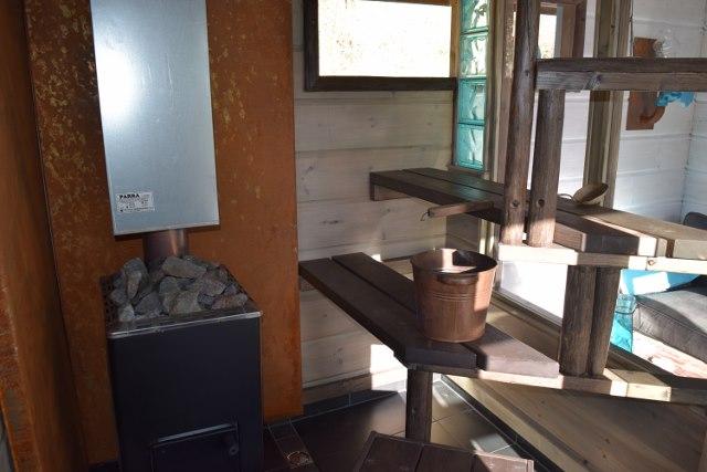 Valoisa sauna oikeilla materiaalivalinnoilla se onnistuu pienessäkin tilassa